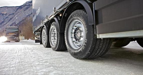 Европа: о правилах использования зимней резины в грузовиках